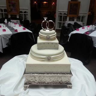 Sparkling White Wedding Cake