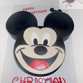 Mickey Mouse face - Cake by Cathy Moilan