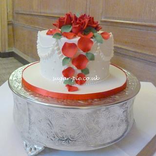 Red rose vow renewel cake