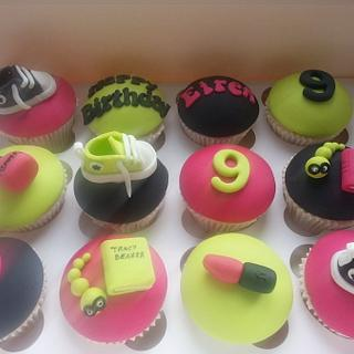 Teenage girl cupcakes