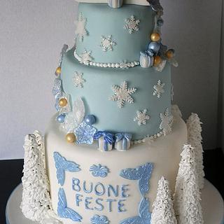 Icy blu Christmas cake