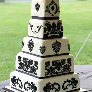 Damask white and black cake