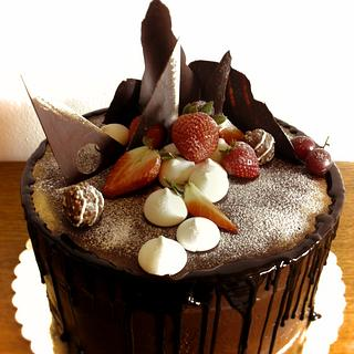 mirror glaze drip cake