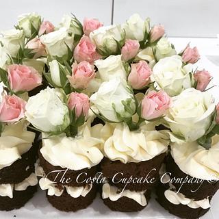 Mini cakes (wedding dessert table)
