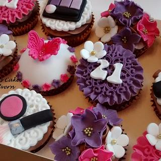 21st Birthday cupcakes - Cake by Kerri's Cakes