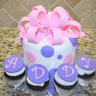 Polka dots & big bow cake