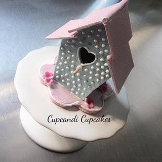 Miniature 3d pearlised bird house cupcake topper  - Cake by Cupcandi Cupcakes