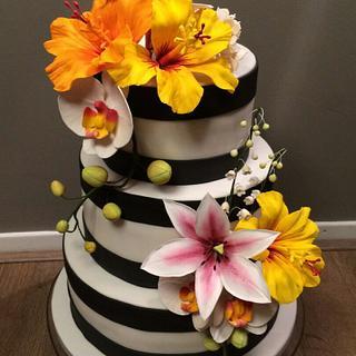 Tropical sugar flowers - Cake by Liselotte (Taartje van Lot)