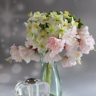A little posy of filler sugar flowers