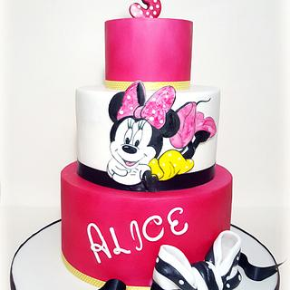 Minnie Mouse Fuchsia Cake