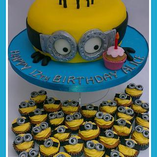 Minions and mini Minion cupcakes