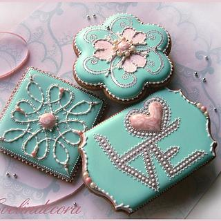 L💖VE cookies - Cake by Evelindecora