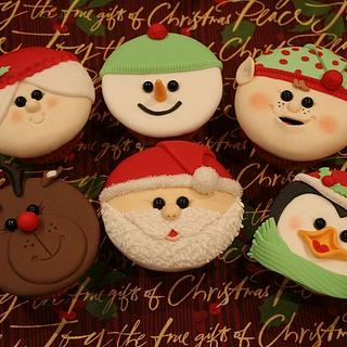 Christmas Cupcakes - Cake by Michelle Amore Cakes