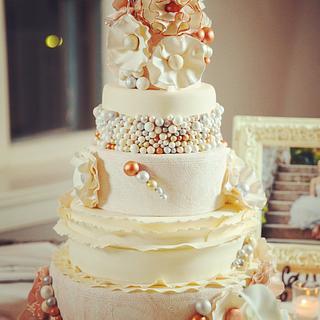 Ribbon sugar flowers wedding cake, Pastel de bodas con flores de azucar