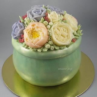 Buttercream Pot of Flowers
