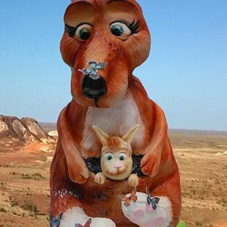 Kangaroo babe and Mum!  - Cake by Emily Calvo