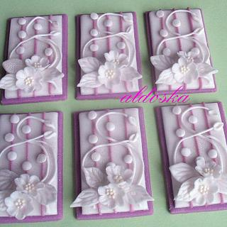 Small decorations for wedding table