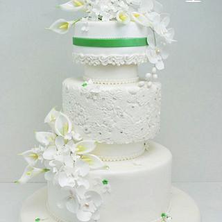 Calla lily wedding cake - Cake by Cofetaria Dana