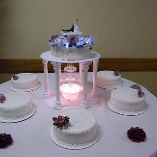 Wedding cake w/fountain and satelite cakes