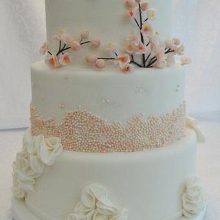 3 Tiers Wedding cake.