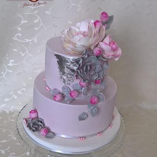 Elegant flower cake - Cake by Tortolandia