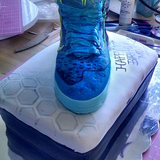Kobe 9 sneaker and shoebox cake