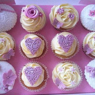 Girly gift cupcake box