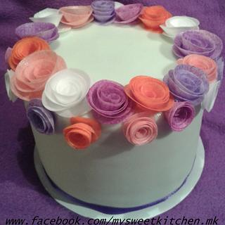 Spring cake with quilling roses