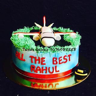 Airplane themed cake.  - Cake by Tara