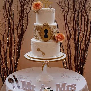 Key to my heart wedding cake...