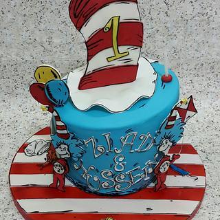 thing 1 thing 2 cake,