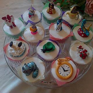 Alice in Wonderland  - Cake by Maggie Visser