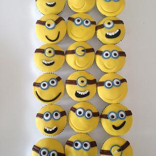 Minion Cakes - Cake by Su