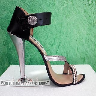 Shoe cake topper - Cake by Niamh Geraghty, Perfectionist Confectionist
