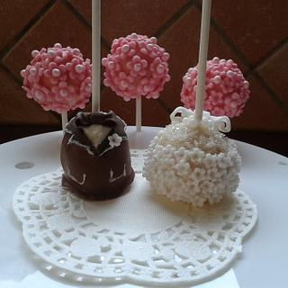 Cake pops for the wedding party