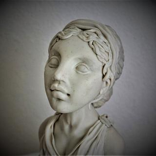 greek priestess