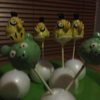 angry birds cake pops - Cake by JessieWilliams