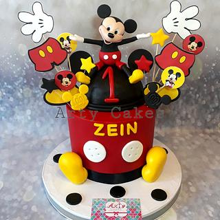 Mickey mouse cake by Arty cakes