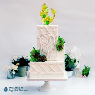 Macrame cake with sugar succulents