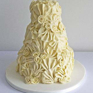 White Chocolate Fans & Roses