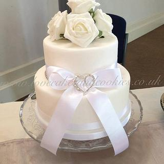 White Roses Wedding Cakes