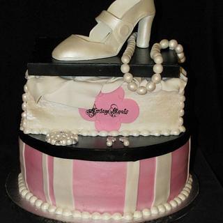 Vinage Shoebox & Hatbox Cake