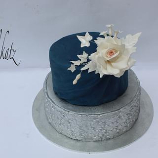 elagant roses cake