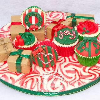 Happy Holly-Days cupcakes - Cake by Little Miss Cupcake
