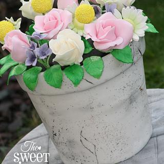 Antique flower pot cake