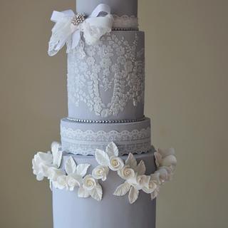 Wedgwood Jasperware Cake - Cake by Rebekah Naomi Cake Design