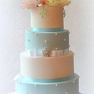 Brooch and Flowers Wedding Cake