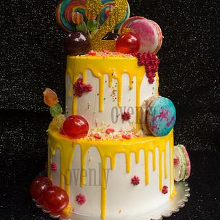2 tire dripping cake