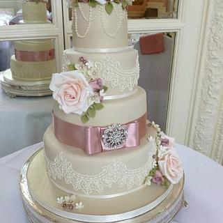 Victoriana Lace and Sweet Avalanche Rose Wedding Cake