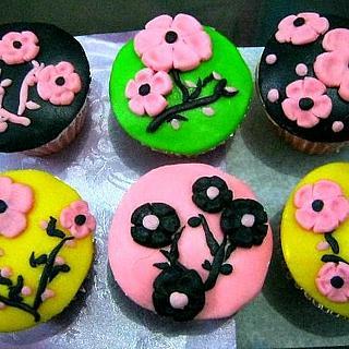 Cherry blossoms cupcake